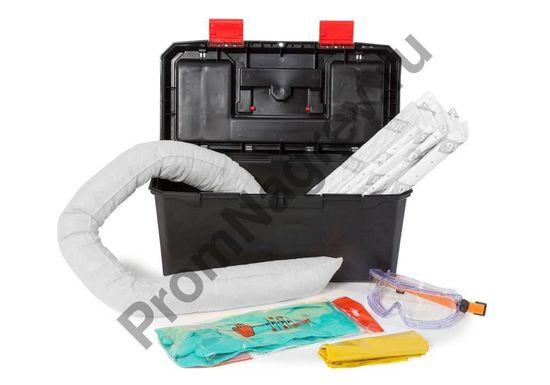 Аварийный набор сорбентов в переносном чемодане для ликвидации небольших протечек масляных и нефтяных жидкостей.