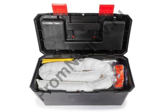 Маленький переносной чемоданчик с сорбентами для сбора до 14 литров опасной пролитой жидкости.