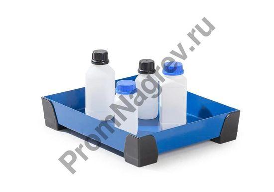 Лоток (для примера с бутылочками) на 10 литров, рёшетки нет, есть уголки пластмассовые.