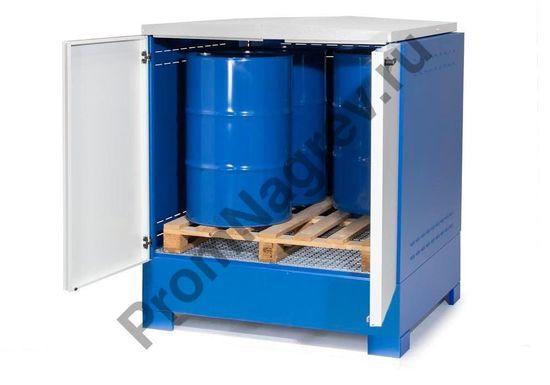 Бочки хранятся непосредственно на решетке или же на химическом поддоне, который комфортно устанавливается в шкафу.