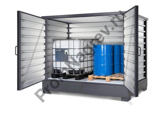 Прочная, антикоррозионная стальная конструкция со встроенным сточным поддоном, который собирает все протекания через надежную решетку, служащую ровным настилом для тары.