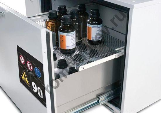Шкаф огнеупорный с холодильным агрегатом и системой рециркуляции воздуха с выдвигающимся ящиком для содержания мелкой тары.