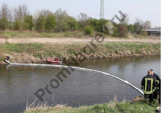 Сорбирующий бонн, локализация и сбор опасных веществ на воде, 3 м x 13 см, в количестве четырёх.
