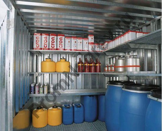 Внутреннее убранство контейнера оцинкованного, со входом, вариант оснащения