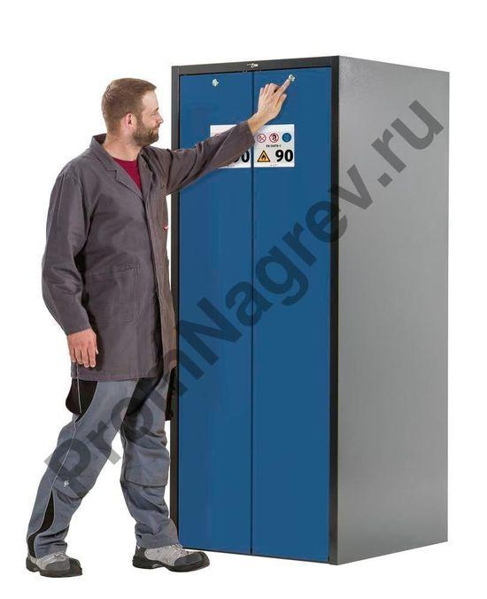 """Система """"одно касание"""" -легкое открытие шкафа одной рукой."""