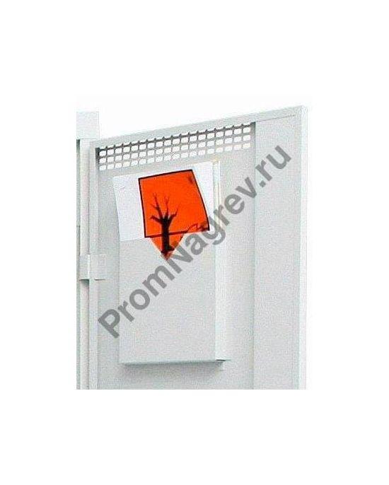 В дверке шкафа имеется лоток для документов, что очень удобно при эксплуатации.