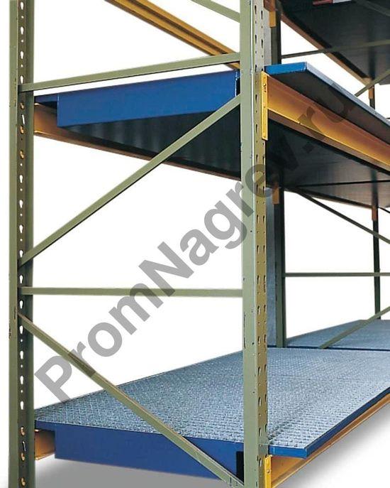 Окрашенный поддон из стали со стальной оцинкованной решёткой для стеллажей с шириной 1800 мм.
