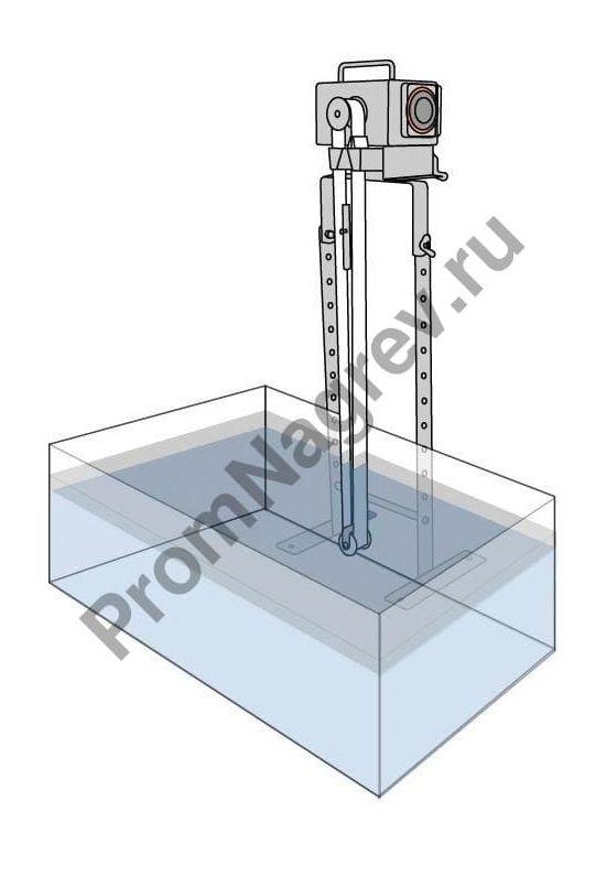 Скиммер для глубоких погружений (575 мм) в процессе очистки емкости с жидкостью.