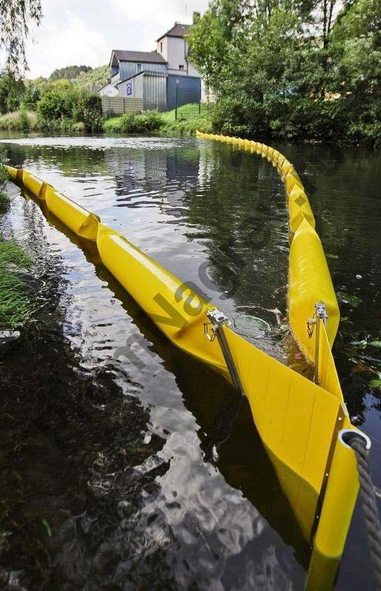 Барьер 250 для масла и нефти, для тихих вод, длина 7,5 м, борт над водой 100 мм, глубина погружения 150 мм.