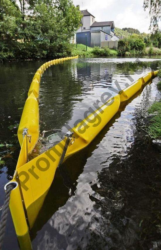 Сорбент в виде барьера 250 для работы на водоёмах, длиной 5 м, высота над водой 100 мм, глубина погружения 150 мм.